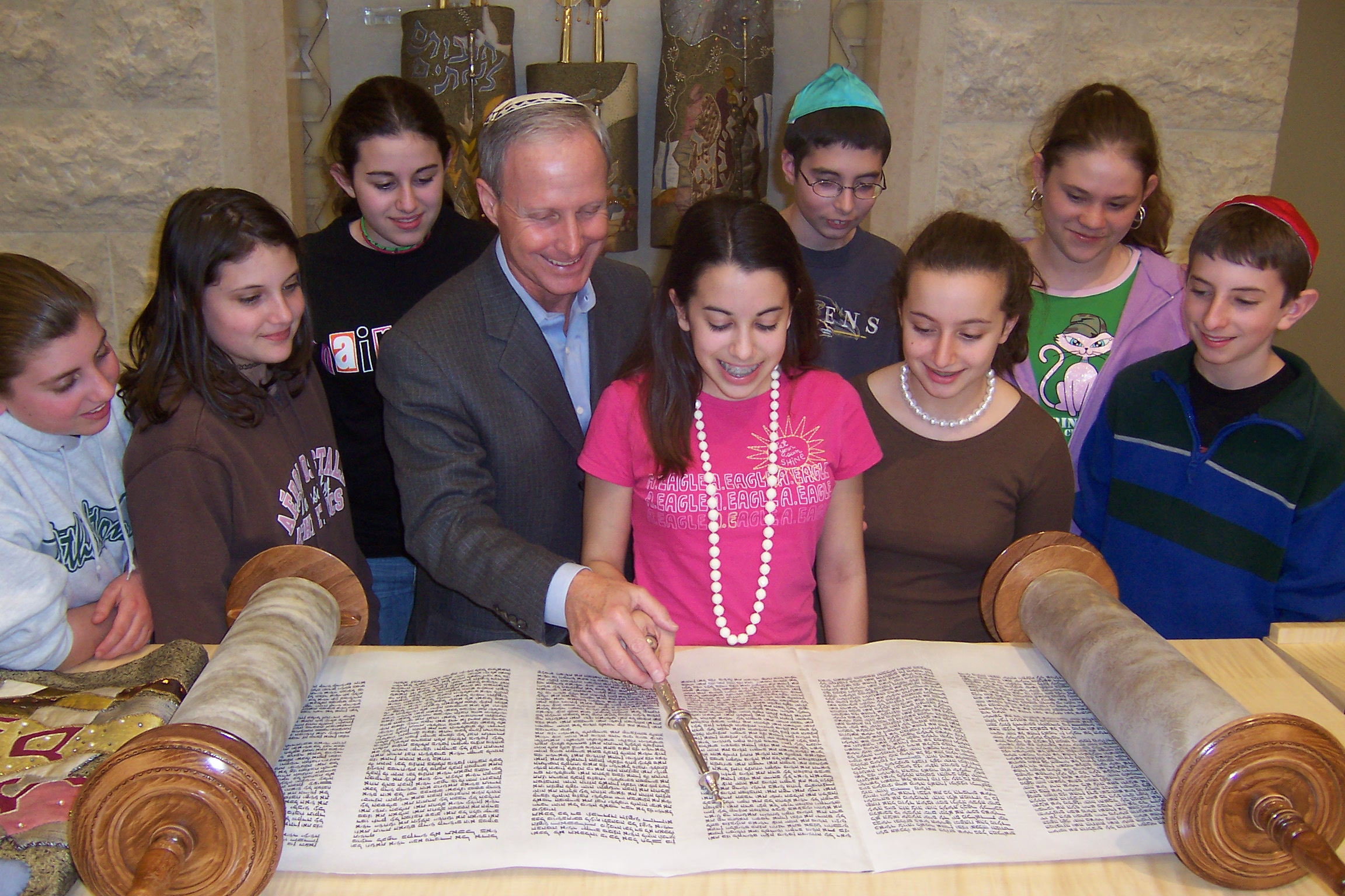 Rabbi Panoff with students